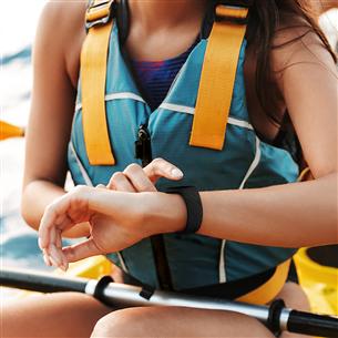 Aktivitāšu sensora aproce Charge 4, Fitbit