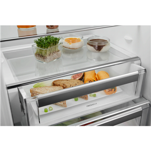 Built-in refrigerator Electrolux (177,2 cm)